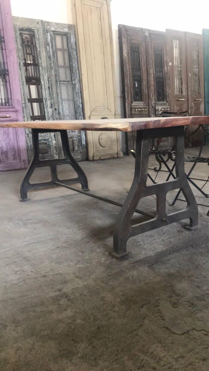 iron table bazes