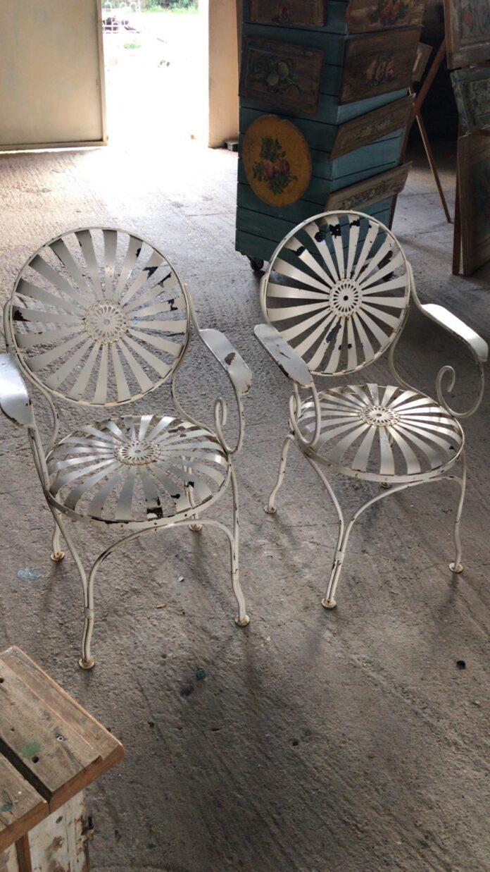 chairs fer forge