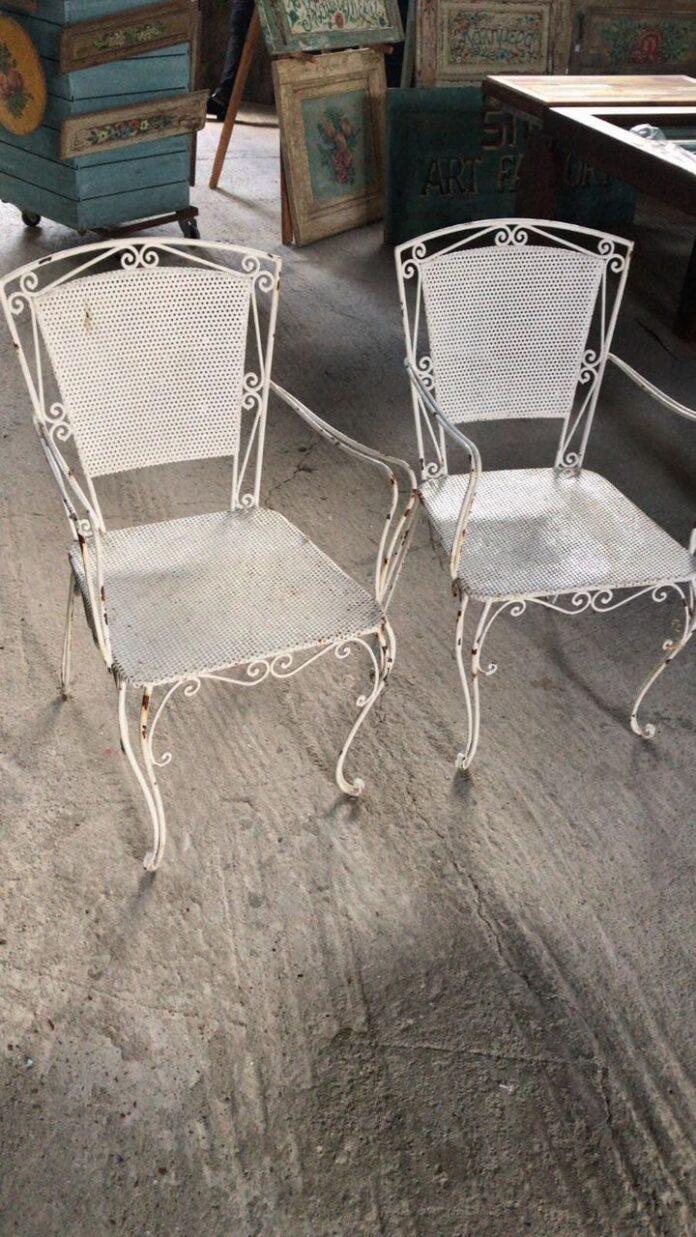 old vgreek chairs