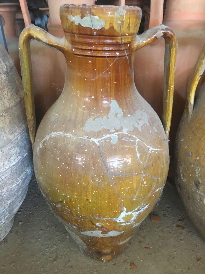 greek old pots, ceramics, olive oil pots, oil jars, island terracota