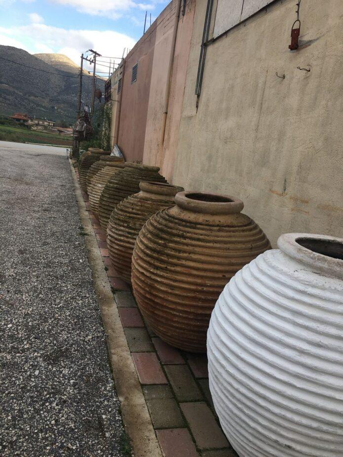 greek old gigas jars