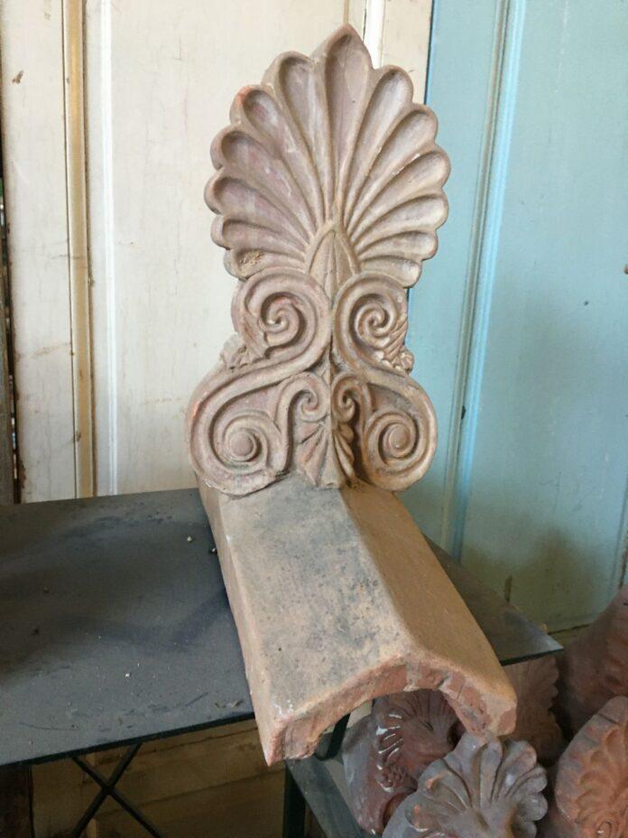 roof decorative element